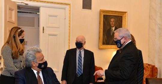 Lenín Moreno se reúne con el presidente del comité de Exteriores del Senado de EE.UU. / foto cortesía Presidencia de Ecuador