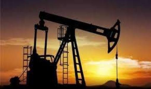 COMPLICACIÓN. La actividad petrolero sigue siendo la vase de la economía ecuatoriana. Foto: La Hora