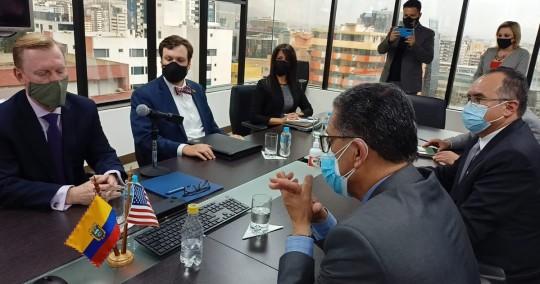 Ecuador y U.S. Grains Council suscribieron acuerdo para mejorar combustibles / Foto: Embajada de EE.UU.