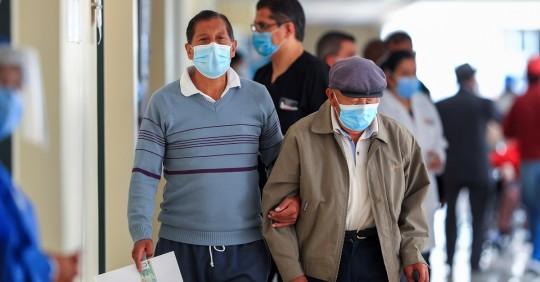 Quito y Guayaquil alcanzan acuerdos para vacunar masivamente a su población / Foto: EFE