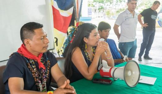 Asambleístas ecuatorianas envueltas en escándalos conmocionan a Twitter el fin de semana