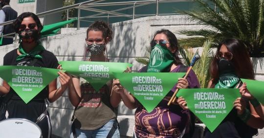 Demandan la despenalización del aborto por violación ante la Corte Constitucional / Foto: EFE