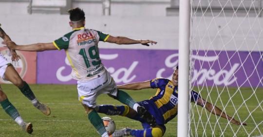 Delfín goleó en Manta y sigue con vida en la Copa / Foto: EFE