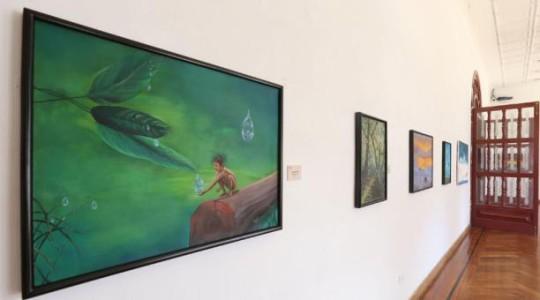 Los nombres de las pinturas: 'Dolor e impotencia', 'Sombra', 'Viaje sin futuro', 'Lágrimas de sangre' y otros buscan apelar a la sensibilidad de los visitantes. Foto: El Comercio