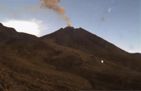 El volcán está a 90 kilómetros al este de Quito. Foto: La Hora
