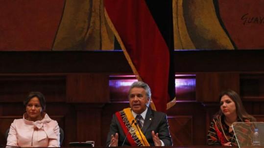 Lenín Moreno, la vicepresidenta de la República, Alejandra Vicuña, y la presidenta de la Asamblea, Elizabeth Cabezas, en el Informe a la Nación, el 24 de mayo de 2018. Foto: La República