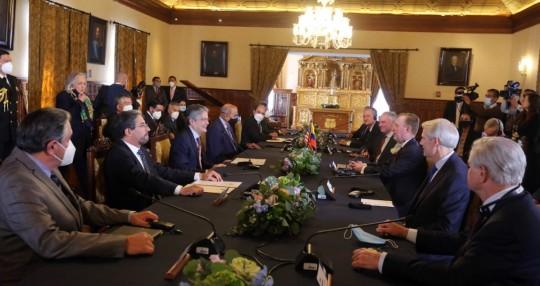 Guillermo Lasso se reunió con senadores de EE.UU. / Foto cortesía Embajada de Estados Unidos