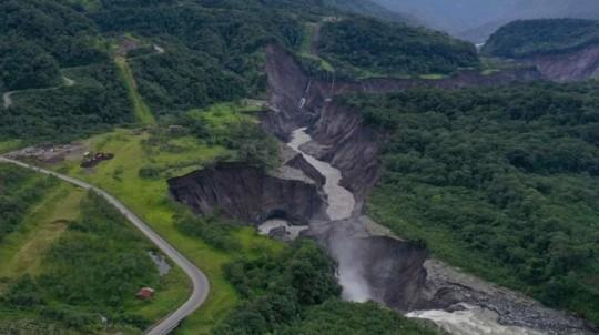 Imagen de la erosión del río Coca el 16 de mayo de 2020 por el Servicio de Gestión de Riesgos, entidad que observa la evolución del fenómeno. - Foto: Cortesía