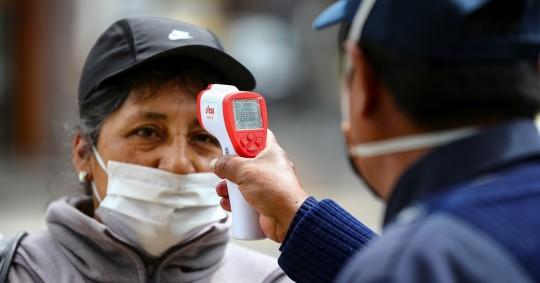 Autoridades recomiendan restricciones en diciembre por la pandemia / Foto: EFE