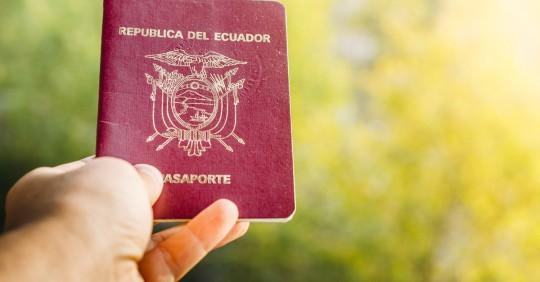 Estos son los pasos, requisitos y cuánto cuesta sacar el pasaporte en Ecuador, proceso que se vio afectado por la pandemia del coronavirus. Foto: Shutterstock