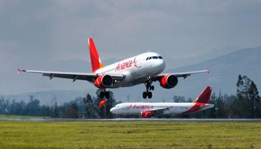Foto: Avianca en aeropuerto de Quito
