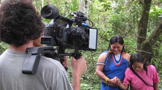 Julian Larrea filmó el documental 'Tu sangre' durante las elecciones del 2004. Foto: El Comercio