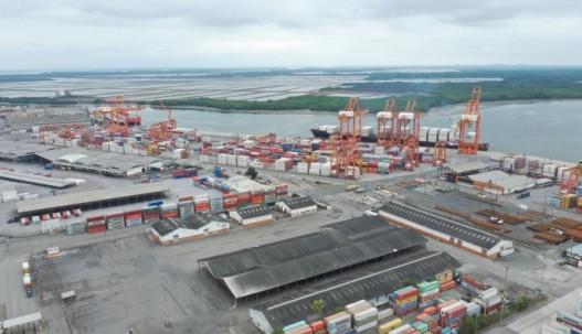 Los exportadores prevén que los envíos al exterior disminuyan debido a una contracción en el consumo a escala mundial. Archivo.