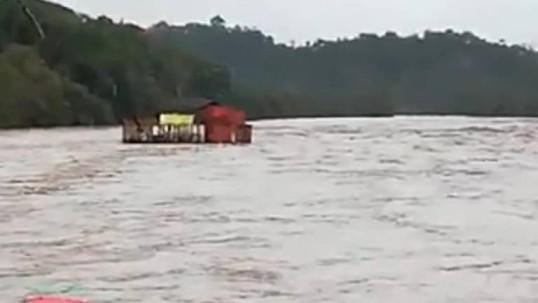 Captura de video donde se muestra el restaurante afectado. Foto: Extra