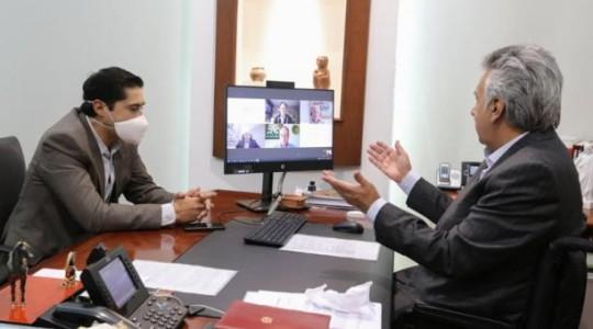 El mandatario Lenín Moreno, en una reunión con el consejo asesor económico. Foto: Cortesía / Presidencia