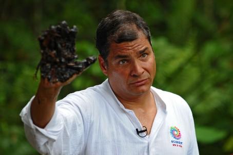 Campaña. Durante el gobierno de Rafael Correa se hizo una campaña contra la empresa petrolera Chevron. (Cortesía)
