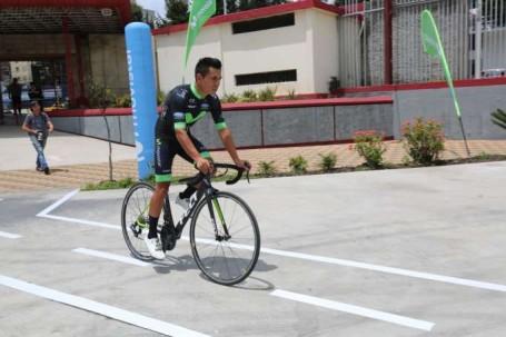 TEAM. El ciclista ecuatoriano se proclamó campeón Panamericano Sub 23, modalidad ruta, en México. Foto: La Hora
