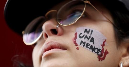 En Ecuador se atienden más de 300 emergencias diarias por violencia machista / Foto: EFE