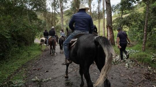 Las cabalgatas en Biblián son una forma de conocer los atractivos naturales de Cañar. Foto: El Comercio