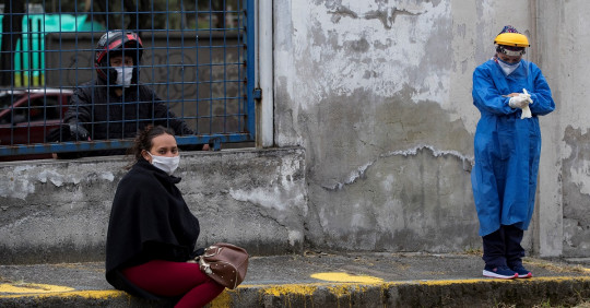 Ecuador suma 1.003 contagios en un día y acumula 216.083 positivos de covid / Foto: EFE