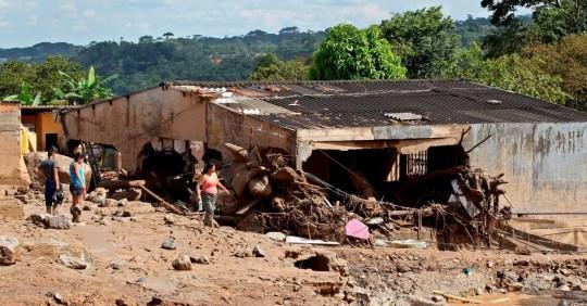 ONGs piden al gobierno atención urgente para los afectados por el desbordamiento de dos ríos en Sucumbíos / Foto: EFE