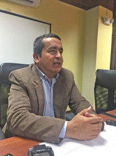 Elio Peña espera que el Gobierno Nacional incluya en el presupuesto del Estado del próximo año, recursos suficientes para culminar el Cuarto Eje Vial. Foto: La Hora