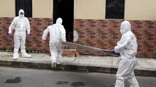 Desde el 23 de marzo se comenzaron a registrar las denuncias de familias para retirar cadáveres en los hogares. Foto: AFP