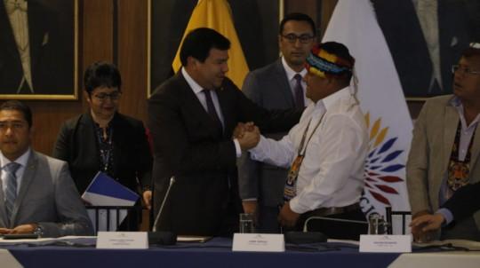 Jaime Vargas presentó en el Legislativo las propuestas económicas de los grupos indígenas. - Foto: API