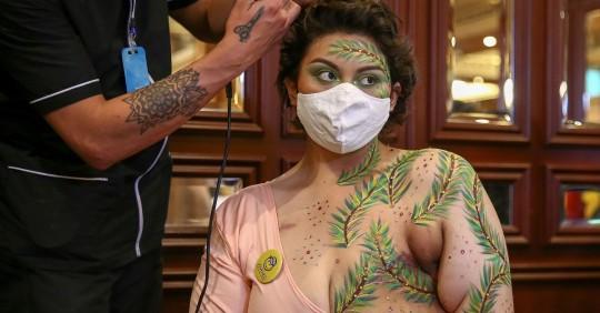 """""""Cicatrices de Honor"""", la lucha contra el cáncer de mama / Foto: EFE"""