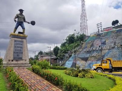 El monumento al palmicultor está a 100 km al suroeste de Esmeraldas, en Quinindé. Foto: Katherine Mendoza. Foto: El Universo