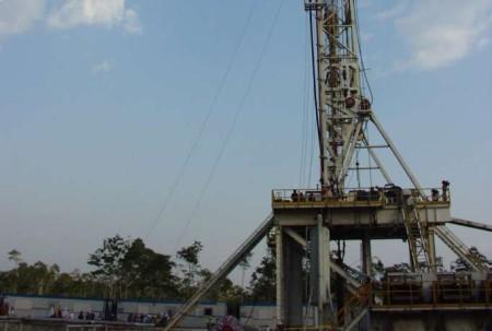 Schlumberger es una empresa que negoció con la estatal Petroamazonas. Foto: La Hora