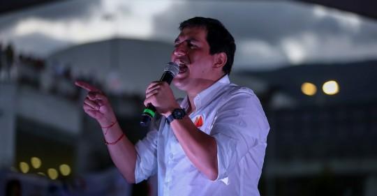 Andrés Arauz cierra su campaña electoral en Quito avalado por Correa / Foto: EFE