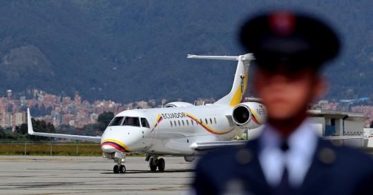 El avión presidencial aterrizó de emergencia y atrasó su regreso de EE.UU. / Foto EFE