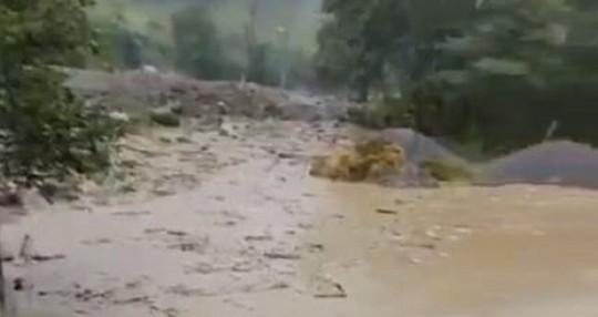 Las lluvias siguen causando destrozos en la Amazonía / Foto: cortesía del Servicio Nacional de Gestión de Riesgos y Emergencias del Ecuador (SNGRE))