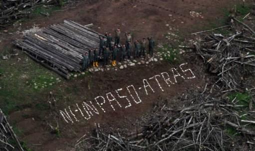 La frase 'Ni un paso atrás' supuso una inyección de patriotismo para los hombres que en 1995 defendían los puestos militares en la frontera con Perú. Está plasmada en Tiwintza. Foto: El Universo