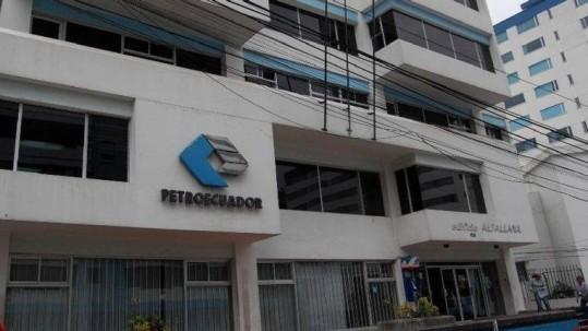 Las dos mayores empresas estatales son otro ejemplo. Petroecuador y Petroamazonas, según dijo el presidente Lenín Moreno, en abril, pasarán a ser una para optimizar sus funciones y ahorrar costos. Foto: Expreso