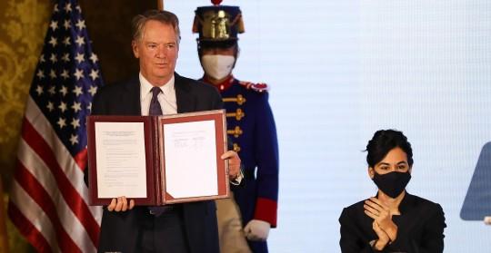 Ecuador y EE.UU. firman un Acuerdo Comercial de primera fase / Foto: EFE