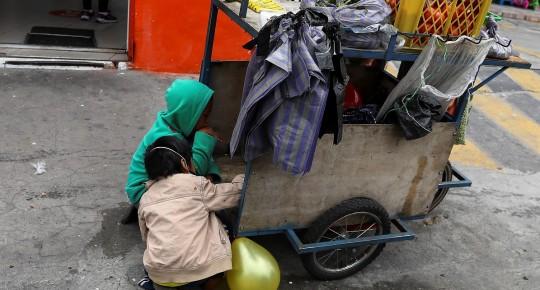 """Ecuador atraviesa una situación social """"crítica"""" con 5 millones de pobres / Foto: EFE"""