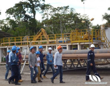 Schlumberger es una de las petroleras a las que les adeuda el país. Esta maneja el campo Auca en la Amazonía. Foto: El Universo