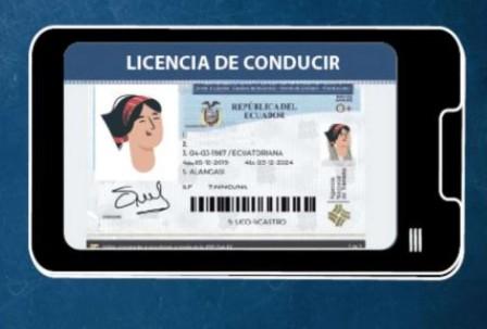 Cómo sacar la licencia de conducir, física y digital, en Ecuador