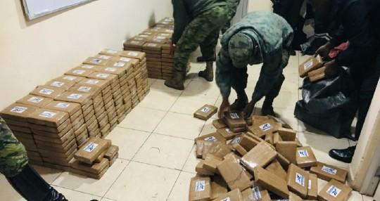 Las Fuerzas Armadas decomisaron 485 bloques con droga en Sucumbíos / Foto: cortesía Fuerzas Armadas