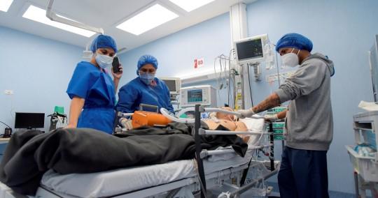 Ecuador alcanza 355.964 casos acumulados de covid-19 / Foto: EFE