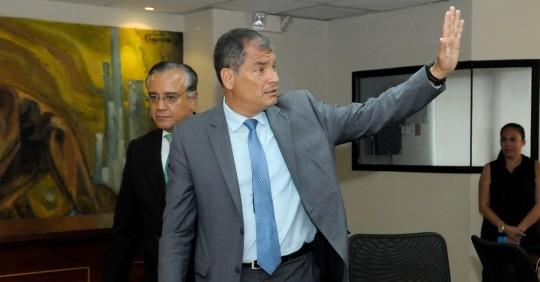 Alexis Mera es trasladado a prisión por el caso Sobornos / Foto: EFE