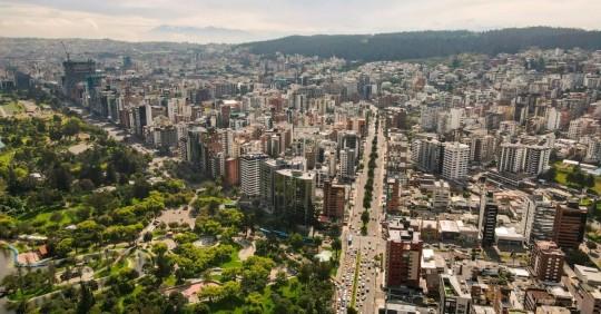 Quito, una ciudad para admirar desde el cielo y desde la magia de sus templos/ Foto: EFE