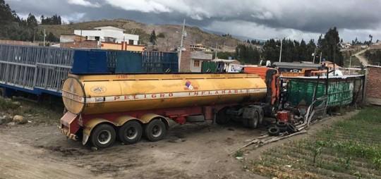 Los detenidos presuntamente perforaban las tuberías petroleras para sustraerse el combustible. En nueve provincias se efectuaron los operativos.  Foto: El Telégrafo