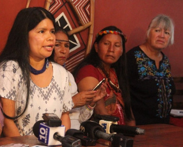 La defensora Sarayaku Patricia Gualinga durante la rueda de prensa donde denunció las amenazas recibidas durante la madrugada del 5 de enero del 2018. Foto: Mongabay