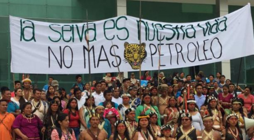 Los indígenas amazónicos piden que se anule una consulta previa realizada en 2012 sobre explotación petrolera en esa zona, y en la que el Estado ecuatoriano salió airoso. Foto: tomada de Twitter de Defensoría del Pueblo.  Foto: El Comercio