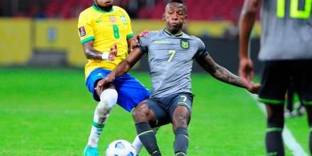 Gustavo Alfaro, molesto con el arbitraje y el VAR tras perder contra Brasil/ Foto: EFE