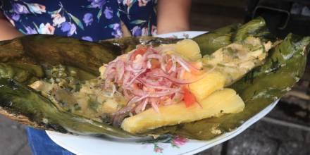 Ayampaco, el plato prehispánico de los shuar / Foto El Oriente