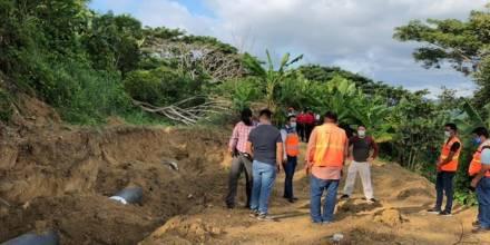 Técnicos del IIGE realizan estudios en zonas de hundimiento en cantón Esmeraldas / Foto cortesía IIGE